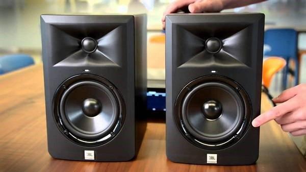 Loa-JBL-Series3-LSR305